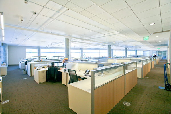 829 Modern Office Suite w Cubicles