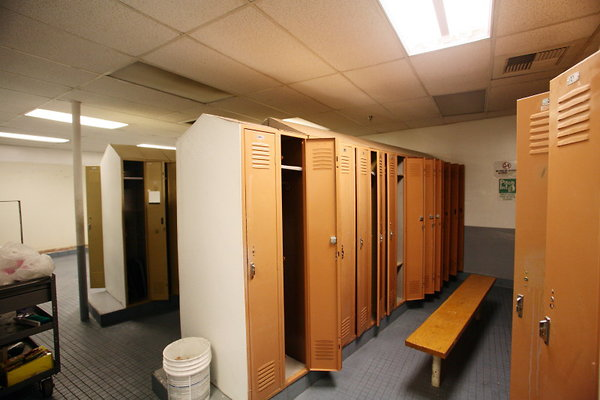 865 Locker Rooms
