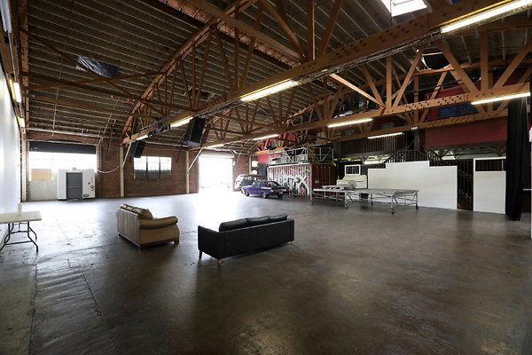 913 Warehouse